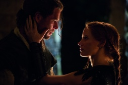 The Huntsman Winter's War Chris Hemsworth Jessica Chastain